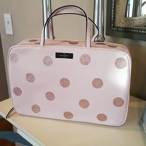 Authentic kate spade Cosmetic Bag New with tag